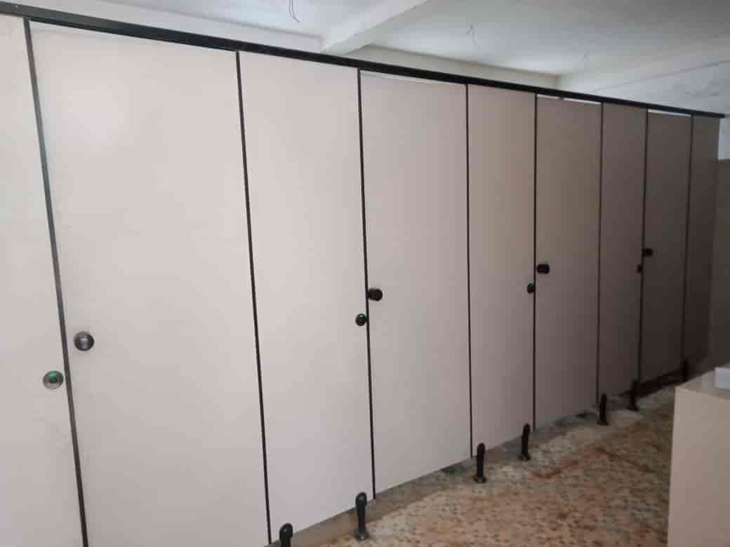 Contoh Toilet Kubikel