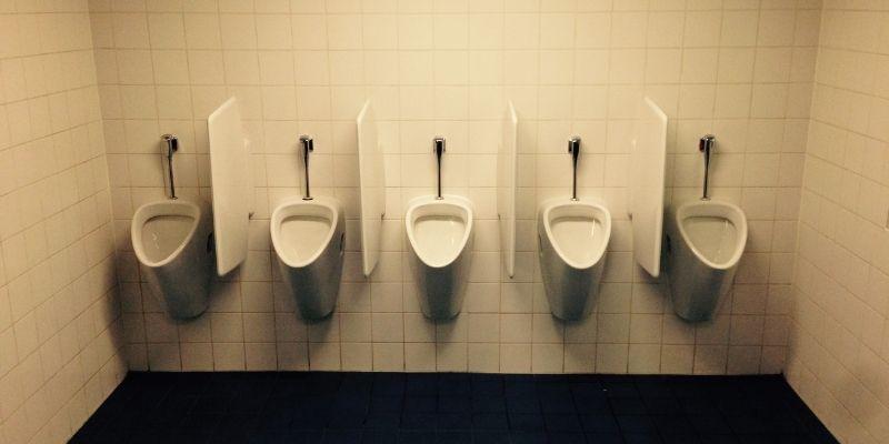 Urinoir Pada Toilet Di Kota Bandung